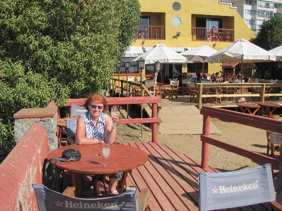 Restaurant & Hotel Medio Mundo: A good Pico sour behind hotel
