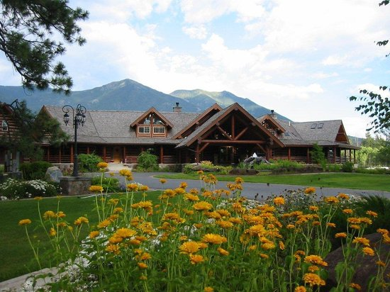 Glacier Mountain Lodge: Summer at the Lodge