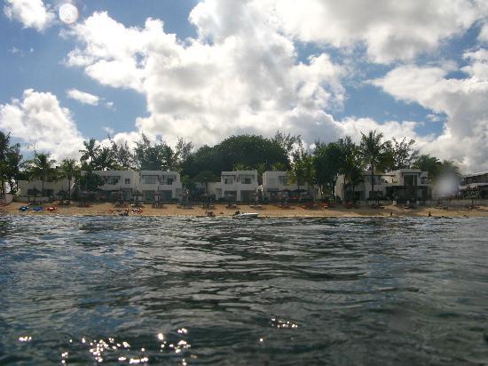 Recif Attitude: L'hotel vu depuis la mer