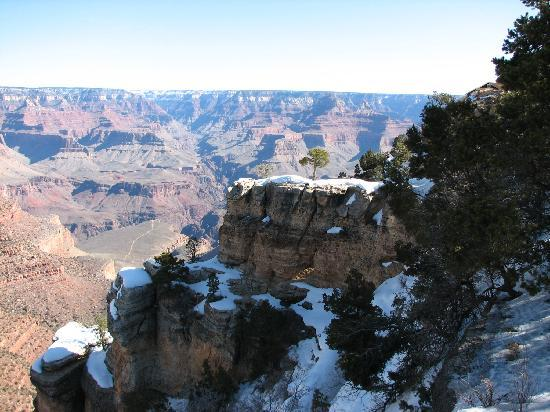 Bright Angel Lodge: a view of Bright Angel Trail from Rim Trail behind the cottages