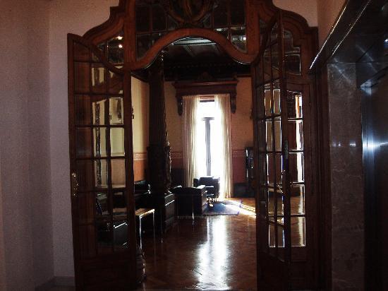 Hotel Montecarlo Barcelona: salone al primo piano