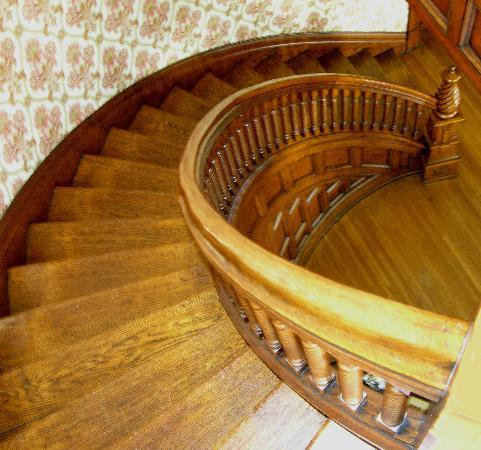 The Hammack-Moore House Bed & Breakfast: Restored Oak Staircase