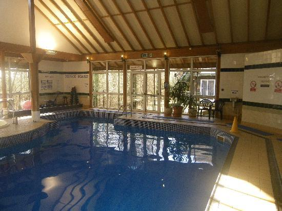 Marwell Hotel: the pool