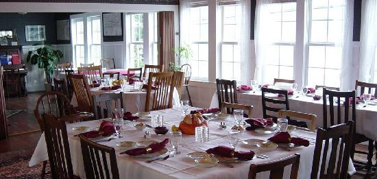Historic Requa Inn: The dining room