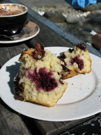 Golden Bay Lodge & Garden: a muffin at The Totally Roasted