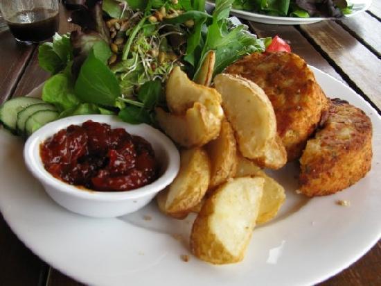 Golden Bay Lodge & Garden: Veggie Brunch cakes, fresh salad, and potato wedges