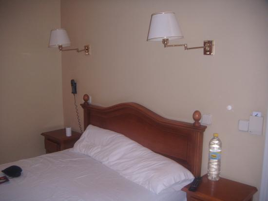Hostal Castilla III : Bedroom