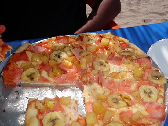 Pizza Benji's: HAWAIIAN PIZZA!