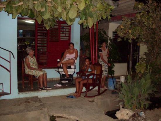 Bayamo, Cuba: Mercedes, Arelis, Juliet y Lesbia