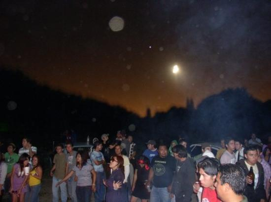 Saltillo, México: Rave.... look at the moon!!!que hermosa!