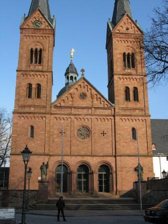 single travel seligenstadt Discovery take a guided tour to seligenstadt—one of germany's oldest towns and please call for single affordabletourscom is a travel agent for.
