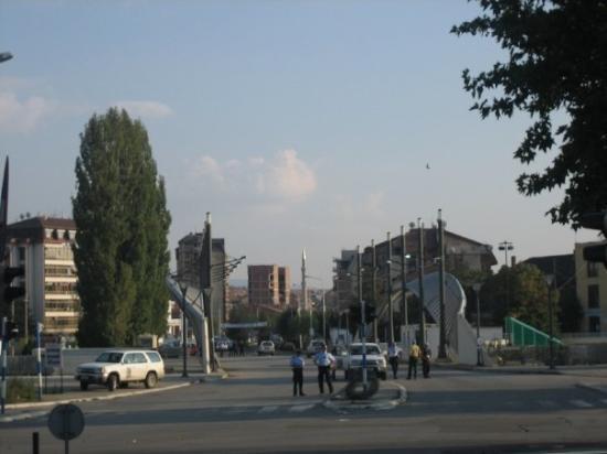 Pristina, Kosovo: most na ibru