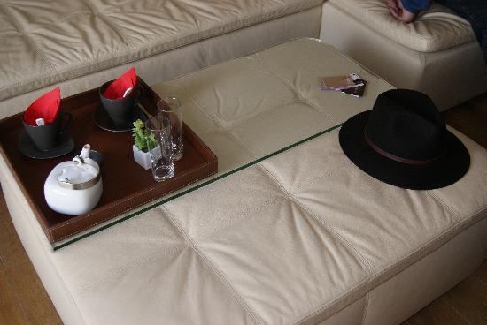 Le Dortoir: La mesita para desyunar