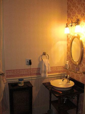 Daniel Stebbins House: Such a thoughtful period piece