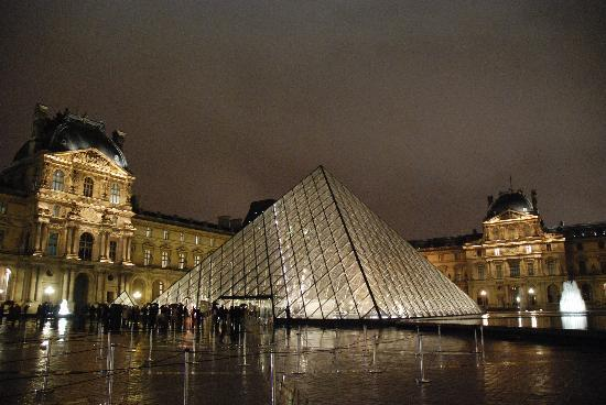 Париж, Франция: Louvre