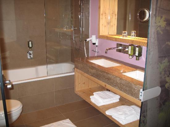 Das Posthotel: Bathroom