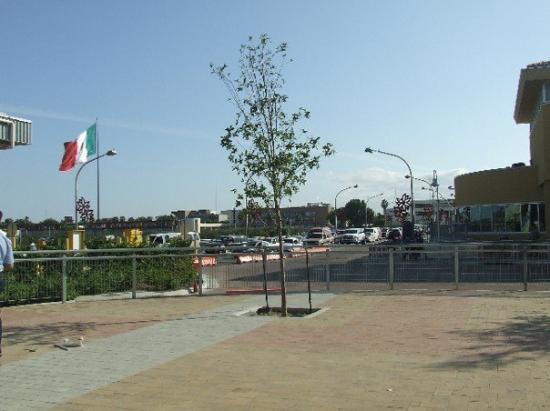 Laredo, TX: de este lado Texas..... pasando el puente México