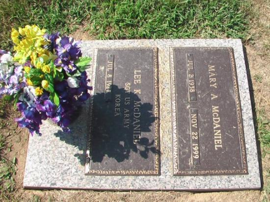 Godfrey, IL : moms grave