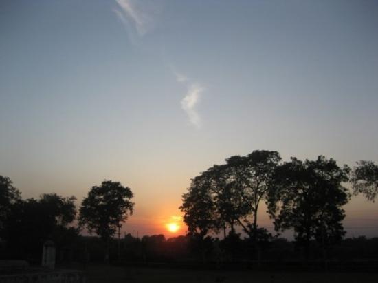 Αχμενταμπάντ, Ινδία: 日落西斜