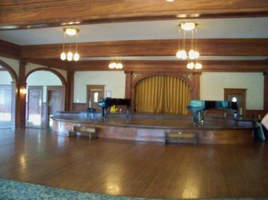 Stanley Hotel Tour: Stanley Hotel ghost tour continues with the haunted ballroom