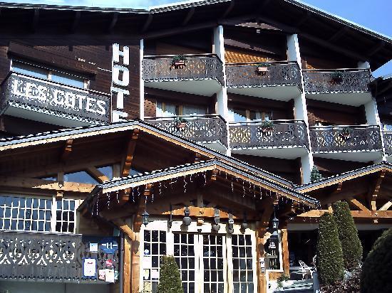 Hôtel Les Côtes, Résidence Loisirs et Chalets : Balcons ensoleillés