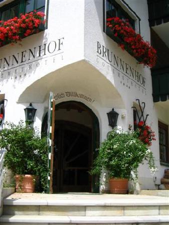 Hotel Brunnenhof: Der Eingang inden Brunnenhof