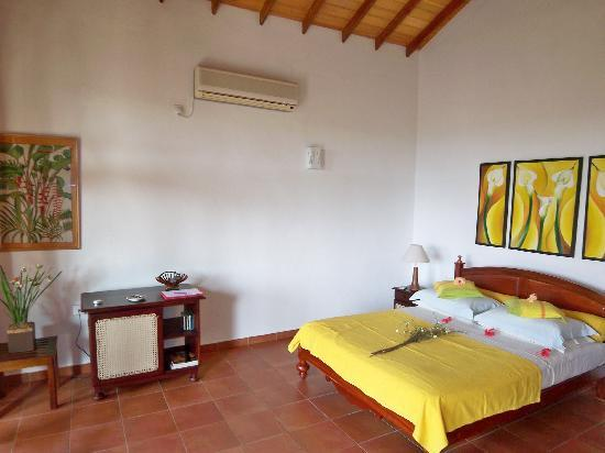 Shangri-Lanka Villa: Top Floor room