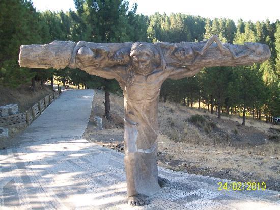 Vía Christi: Cargando con la cruz.....