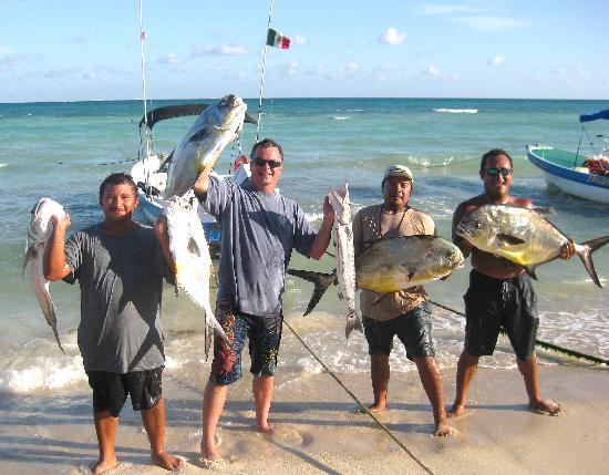 Great catch foto di go fish fishing charters for Playa del carmen fishing charters
