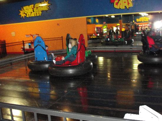 Gatti Town Pizza Buffet & Games: Bumper Cars