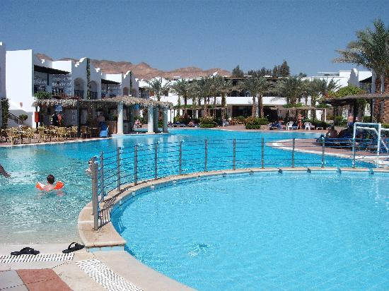 Jaz Dahabeya: pool area