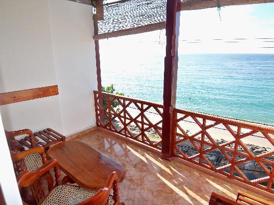 Hotel Dhammika: Balcony