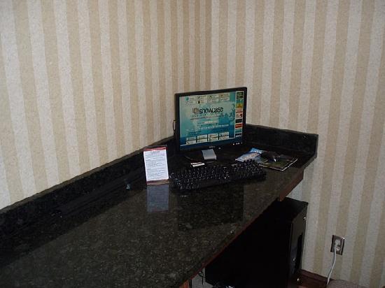 Days Inn Columbus-North Fort Benning: Business Center