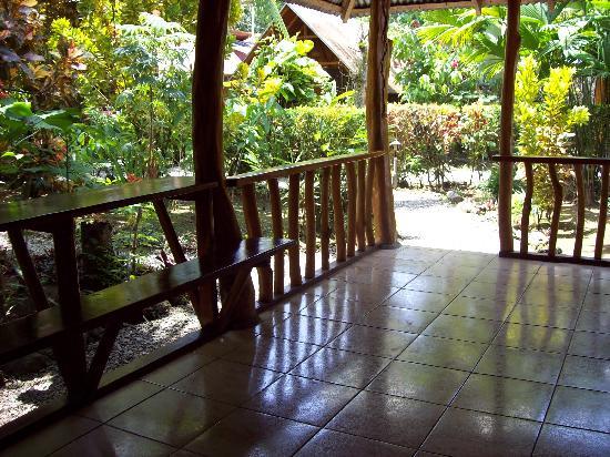 Bungalows Calalu: terraza bungalow