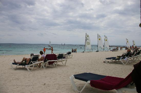 Barcelo Maya Tropical: The beach