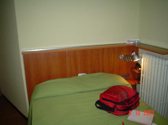 Hotel Europa: Habitación