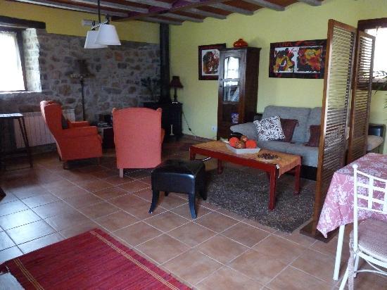 Bajo los Tilos: Sala de estar