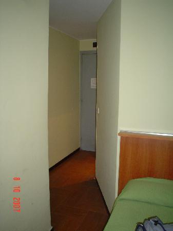 Hotel Europa: Pasillo habitación