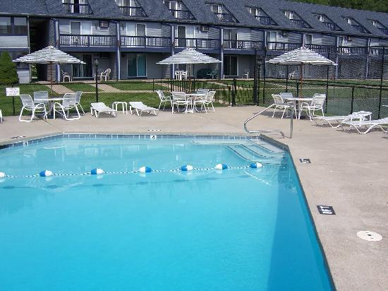 Nautical Mile Resort: Pool at NMR