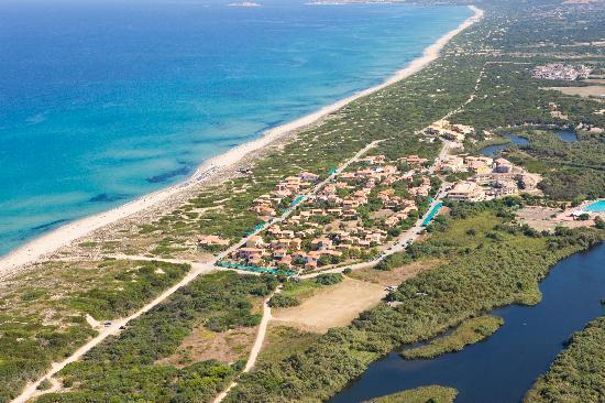Villaggio Baia delle Mimose: Il Villaggio e la baia