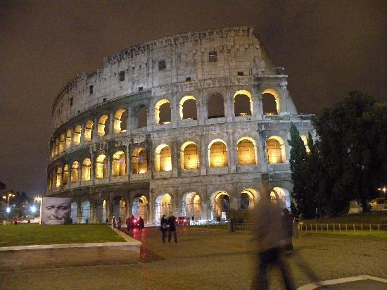 A Casa di Serena a San Pietro: Rome at Night