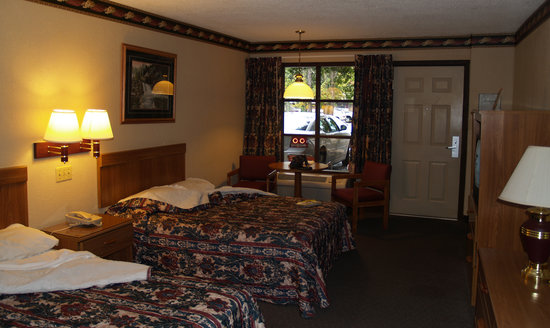 Mountain House Motor Inn Downtown: Room at the Mountain House