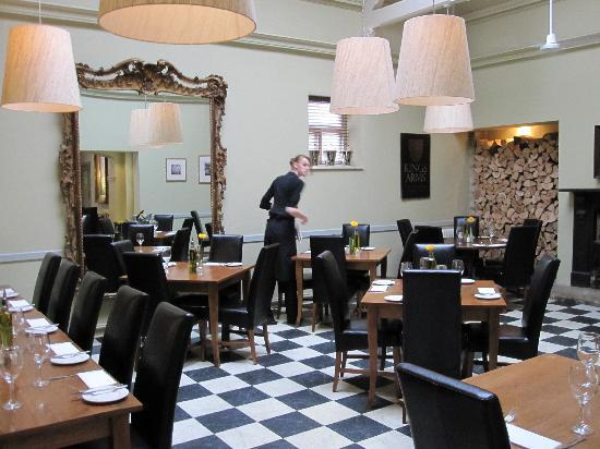 The Kings Arms Hotel and Restaurant: KING'S ARMS DINING AREA