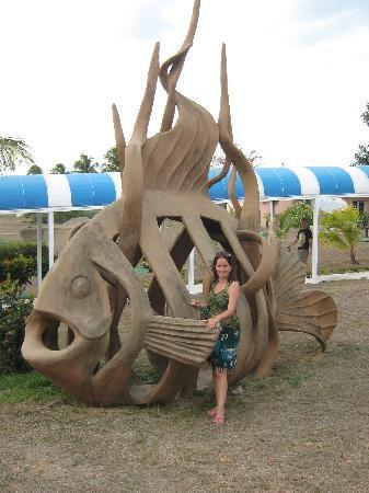 Hotel Rancho Luna: Hotel sculpture
