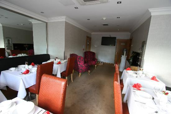 Kings Lodge Guest Accommodation: Dining Room ready to serve some culinary delights