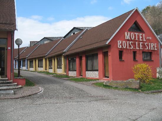 Au Bois le Sire: Pavillons Motel