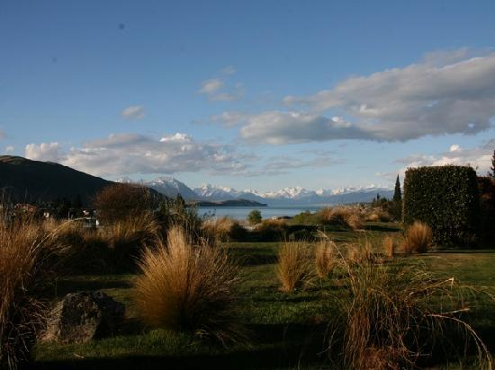 Marie Therese Bed & Breakfast: View from Marietherese towards Lake Tekapo