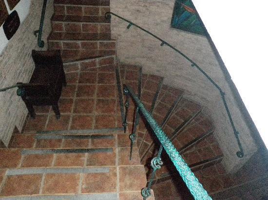 La Mansion Inn: love this mini castle