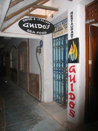 Guido's : Entrance