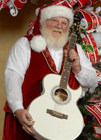 Christmas Place : The Singing Santa